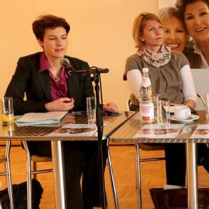 """""""Wie chancengerecht ist unsere Gesellschaft wirklich?"""" mit der Landesgleichsteellungsbeauftragten Monika von der Lippe."""