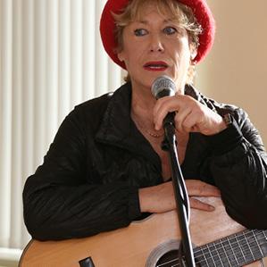 """singt von den """"unzertrennlichen Schwestern"""" Freiheit und Gleichheit"""