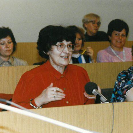 am 27.10.1990 in Berlin mit Prof. Gisela Schaarschmidt vom LV Brandenburg